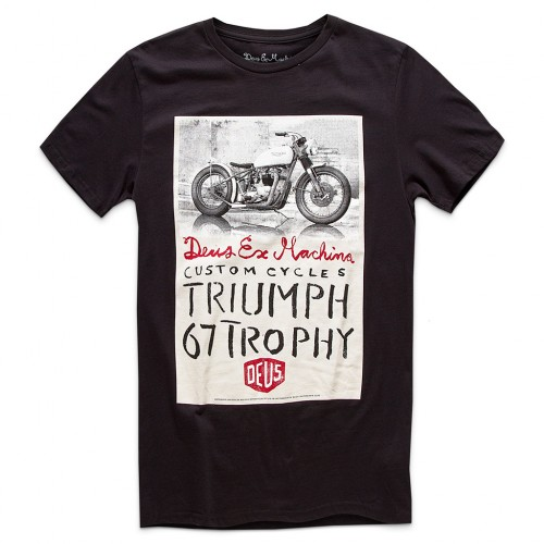 DEUS TRIUMPH TROPHY TEE